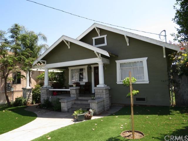 669 W Sepulveda Street, San Pedro, CA 90731 (#SB18290975) :: Keller Williams Realty, LA Harbor