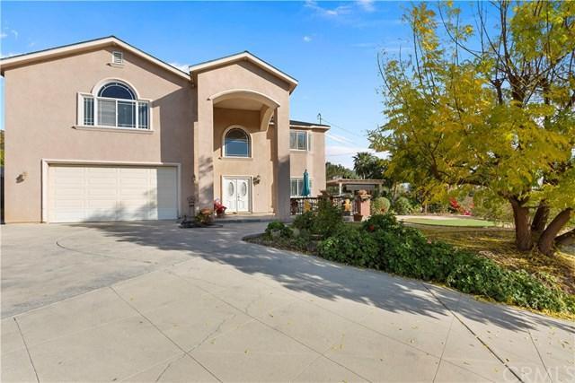 1424 Sonora Street, San Bernardino, CA 92404 (#CV18291195) :: Ardent Real Estate Group, Inc.