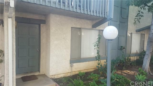 13487 Hubbard Street #13, Sylmar, CA 91342 (#SR18291431) :: Go Gabby