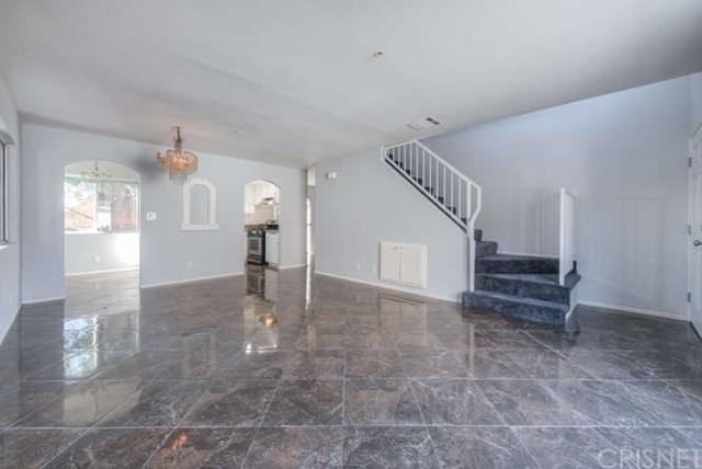 12120 Terra Bella Street #41, Pacoima, CA 91331 (#SR18263146) :: Mainstreet Realtors®