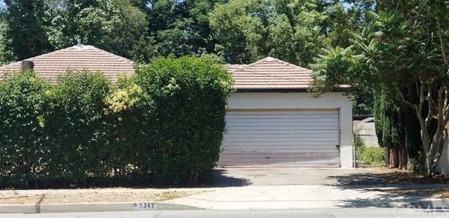 1347 S Towne Avenue, Pomona, CA 91766 (#CV18291505) :: Cal American Realty