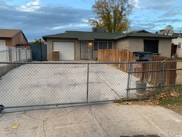 1200 Sandra Drive, Bakersfield, CA 93304 (#OC18285919) :: Kim Meeker Realty Group