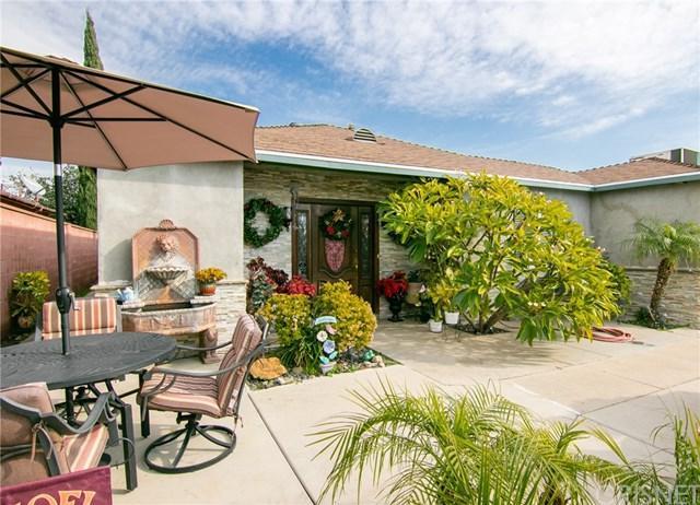 9736 Omelveny Avenue, Pacoima, CA 91331 (#SR18291739) :: Fred Sed Group