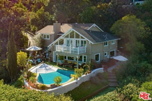 3171 Coldwater Canyon Avenue, Studio City, CA 91604 (#18415780) :: Fred Sed Group