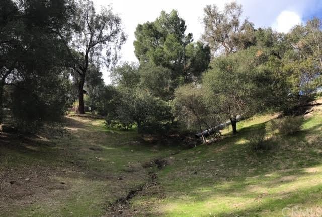 19536 Grand View Drive, Torrance, CA 90290 (#SB18291805) :: Millman Team
