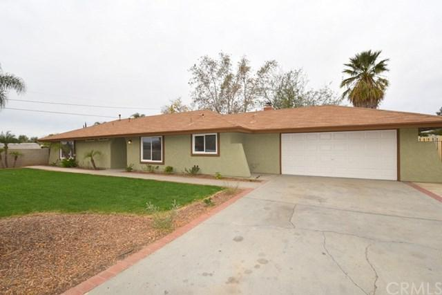 25752 Cottonwood Avenue, Moreno Valley, CA 92553 (#IG18280761) :: McKee Real Estate Group Powered By Realty Masters & Associates