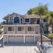 29889 Smugglers Point Drive, Canyon Lake, CA 92587 (#SW18291939) :: Fred Sed Group