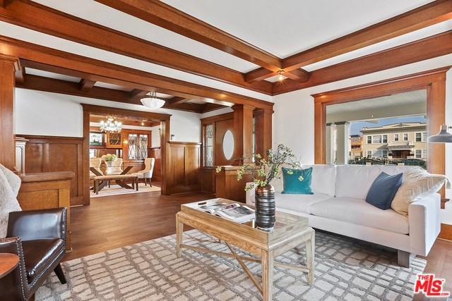 1327 S Van Ness Avenue, Los Angeles (City), CA 90019 (#18415882) :: PLG Estates
