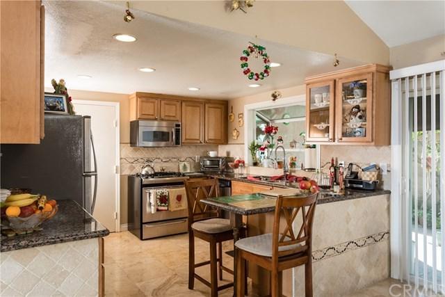 24171 Lindley Street, Mission Viejo, CA 92691 (#OC18292117) :: Z Team OC Real Estate