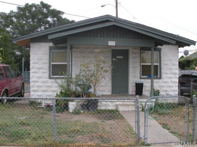 904 Ivy Street, Colton, CA 92324 (#IV18291912) :: Keller Williams Realty, LA Harbor