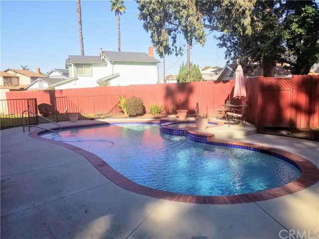 860 E Penrod Drive, Carson, CA 90746 (#PW18293477) :: California Realty Experts