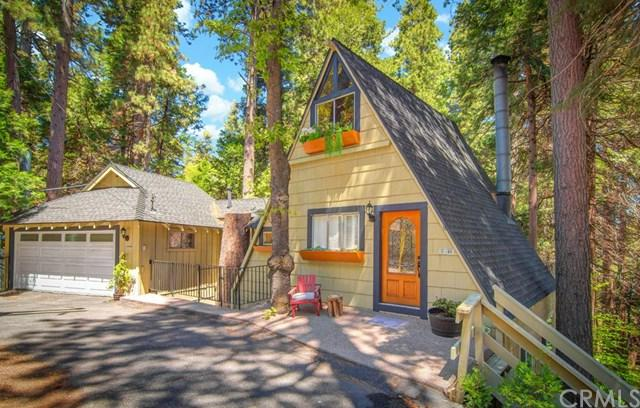 27890 Lakes Edge Road, Lake Arrowhead, CA 92352 (#EV18295640) :: Angelique Koster