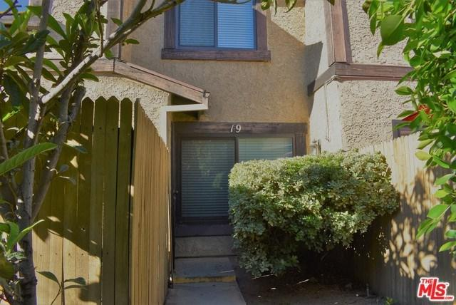 8601 Sunland #19, Sun Valley, CA 91352 (#19419946) :: California Realty Experts