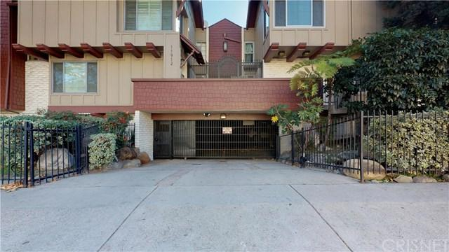 11912 Riverside Drive #2, Valley Village, CA 91607 (#SR19004468) :: Kim Meeker Realty Group