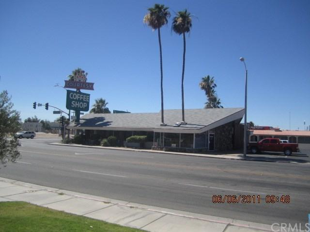 800 W Hobsonway, Blythe, CA 92225 (#SB19006227) :: Go Gabby