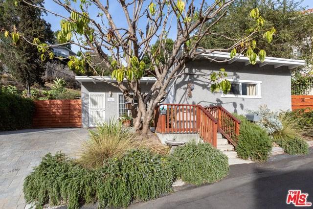 3741 Ackerman Drive, Los Angeles (City), CA 90065 (#19422502) :: Pam Spadafore & Associates