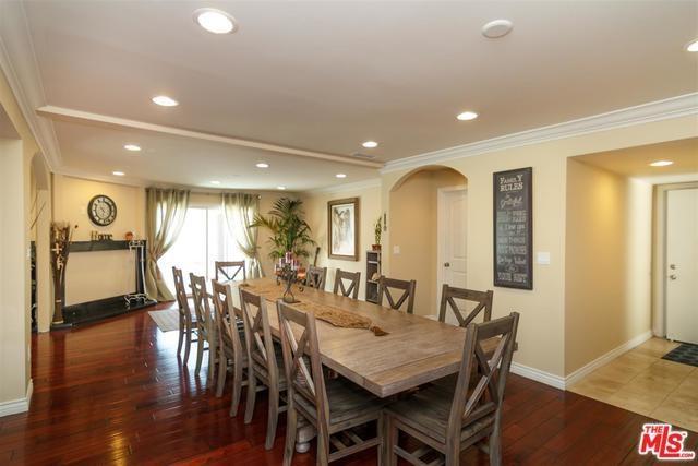 17211 Orozco Street, Granada Hills, CA 91344 (#19420636) :: California Realty Experts