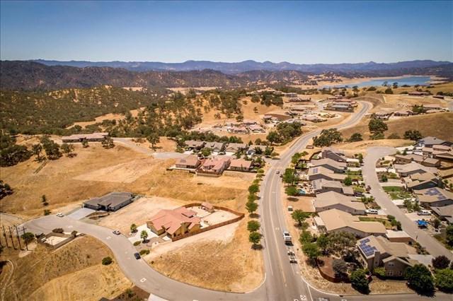 3635 Lakeside Village Drive, Paso Robles, CA 93446 (#ML81735232) :: Nest Central Coast
