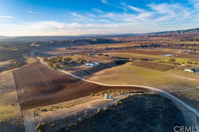 7201 Airport Road, Paso Robles, CA 93446 (#SP19009274) :: Fred Sed Group