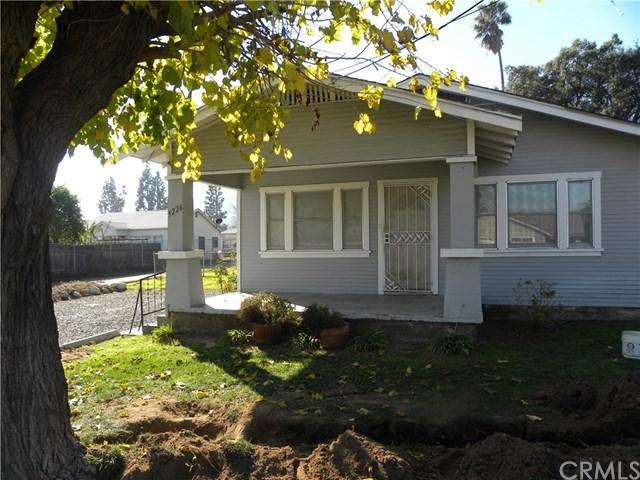 5226 Golden Avenue, Riverside, CA 92505 (#IV19010867) :: The DeBonis Team