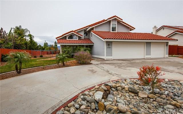 1709 E Highland Avenue, Redlands, CA 92374 (#EV19010581) :: The DeBonis Team