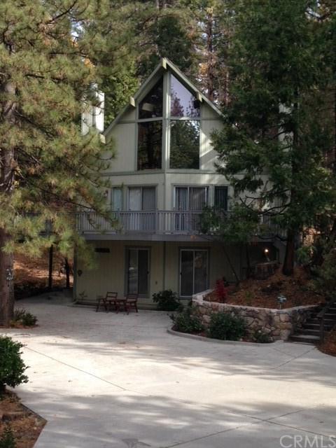 635 Grass Valley, Lake Arrowhead, CA 92353 (#EV18285369) :: California Realty Experts