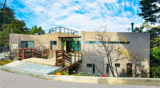 8896 Lookout Mountain Avenue, Hollywood Hills, CA 90046 (#SR19011360) :: Mainstreet Realtors®