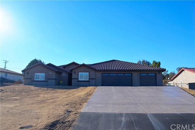 7962 Arrowhead Lake Road, Hesperia, CA 92345 (#IV19012024) :: Mainstreet Realtors®