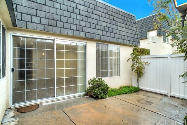 6500 Tampa Avenue #7, Reseda, CA 91335 (#SR19011530) :: Impact Real Estate