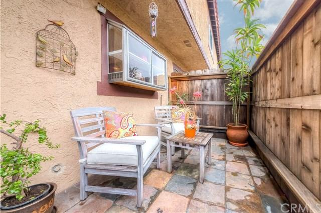 22335 Figueroa Street #3, Carson, CA 90745 (#SB19009254) :: Barnett Renderos