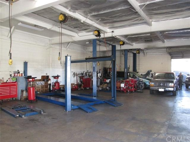 5760 Riverside Drive, Chino, CA 91710 (#GD19011701) :: Impact Real Estate