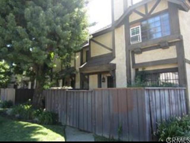 14924 Nordhoff Street #7, North Hills, CA 91343 (#CV19012369) :: California Realty Experts