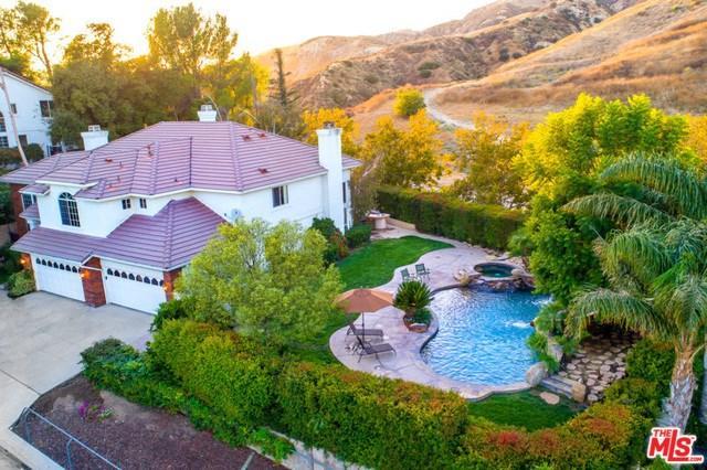 18005 Dali Drive, Granada Hills, CA 91344 (#19423230) :: California Realty Experts