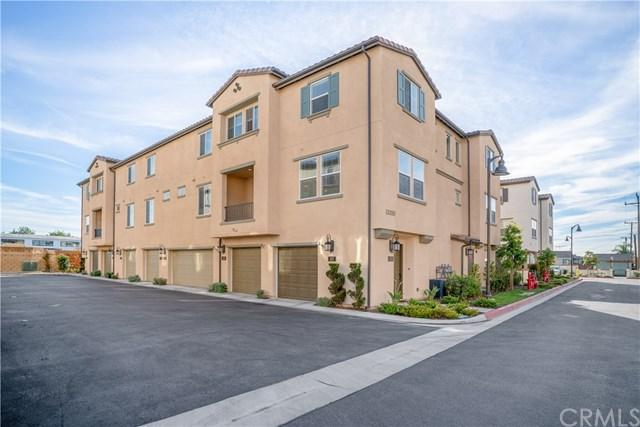 15320 Jasmine Lane #107, Gardena, CA 90249 (#SB19005058) :: Barnett Renderos
