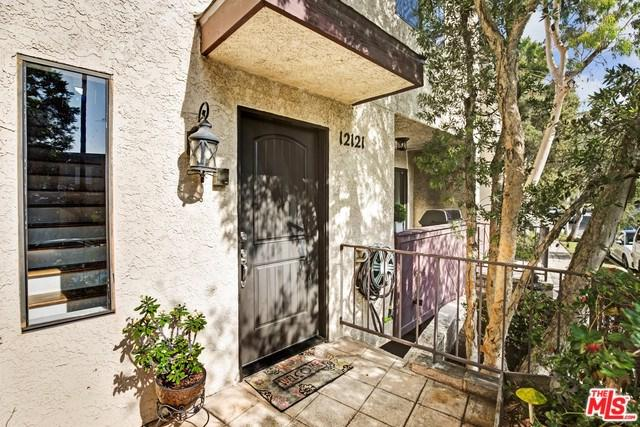12121 Rochester Avenue, Los Angeles (City), CA 90025 (#19418962) :: Kim Meeker Realty Group