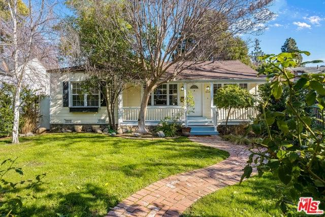 4648 Camellia Avenue, Valley Village, CA 91602 (#19424156) :: Kim Meeker Realty Group