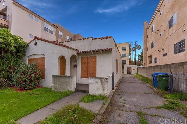 10624 Moorpark Street, North Hollywood, CA 91602 (#SR19013046) :: California Realty Experts