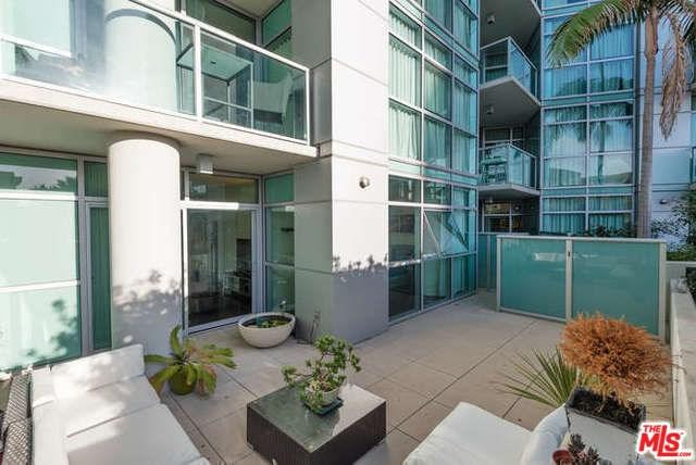 13700 Marina Pointe Drive #314, Marina Del Rey, CA 90292 (#19418770) :: Team Tami