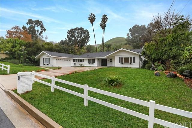 5215 Del Moreno Drive, Woodland Hills, CA 91364 (#SR19013549) :: Kim Meeker Realty Group