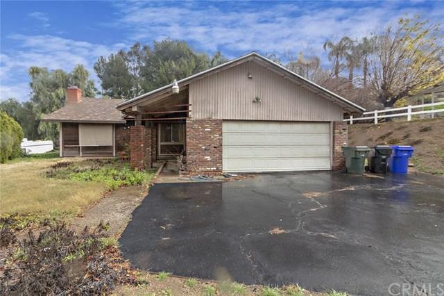 5456 Avenue Juan Bautista, Riverside, CA 92509 (#IV19013670) :: Mainstreet Realtors®