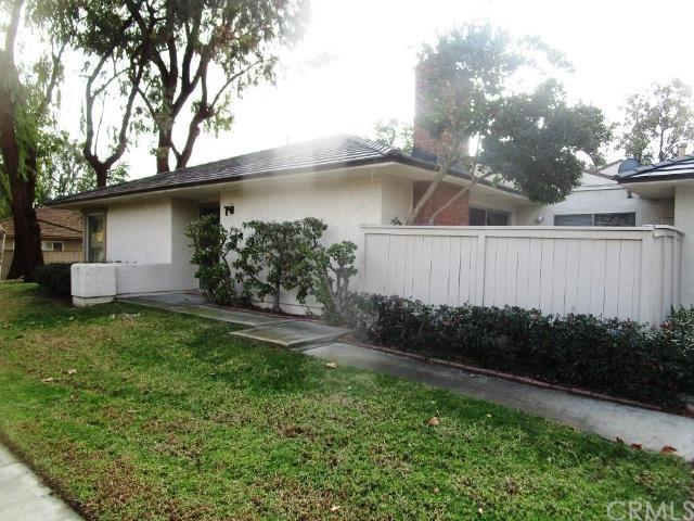 17352 Rosewood, Irvine, CA 92612 (#IV19013574) :: Fred Sed Group