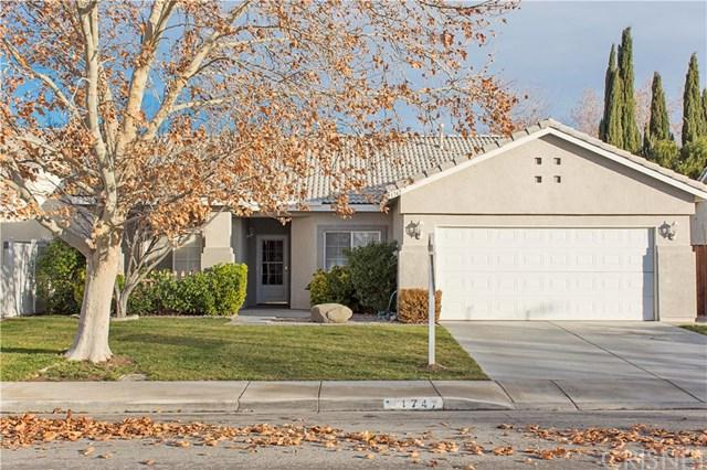 1747 W Holguin Street, Lancaster, CA 93534 (#SR19014049) :: Pam Spadafore & Associates