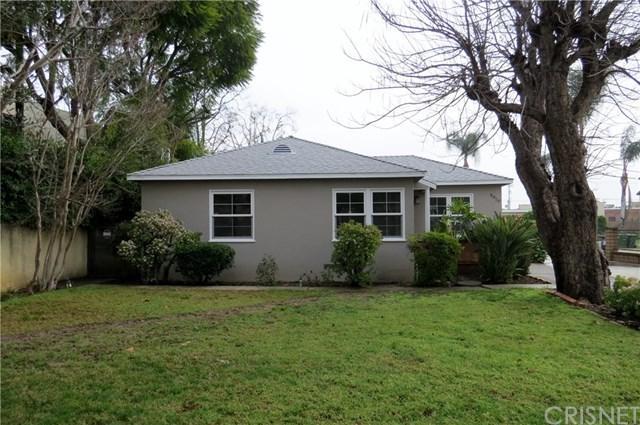 6910 De Celis Place, Lake Balboa, CA 91406 (#SR19014105) :: Pam Spadafore & Associates
