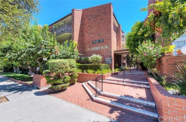 5440 Lindley Avenue #111, Encino, CA 91316 (#SR19014492) :: California Realty Experts