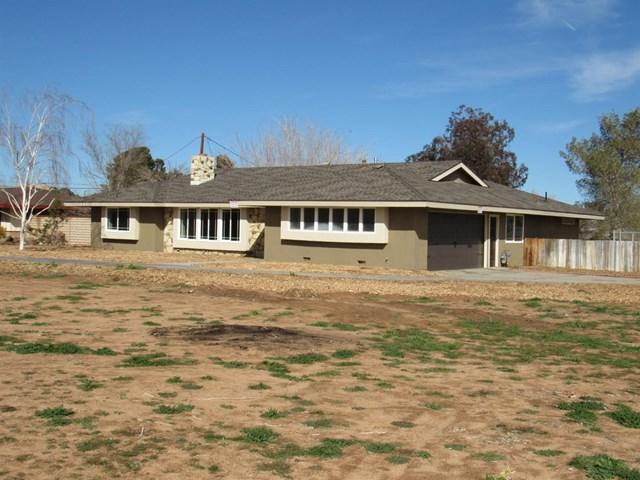 20718 Tonawanda Road, Apple Valley, CA 92307 (#508972) :: Mainstreet Realtors®