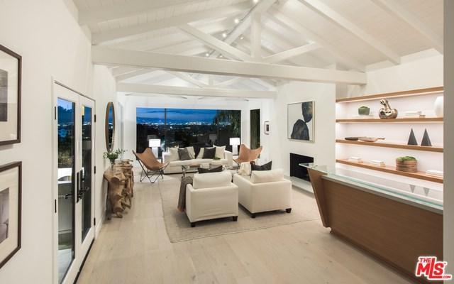 3274 Coldwater Canyon Avenue, Studio City, CA 91604 (#19425720) :: Pam Spadafore & Associates