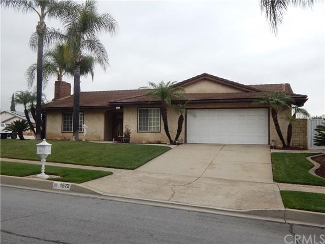 1572 Shamrock Avenue, Upland, CA 91786 (#CV19015010) :: Pam Spadafore & Associates