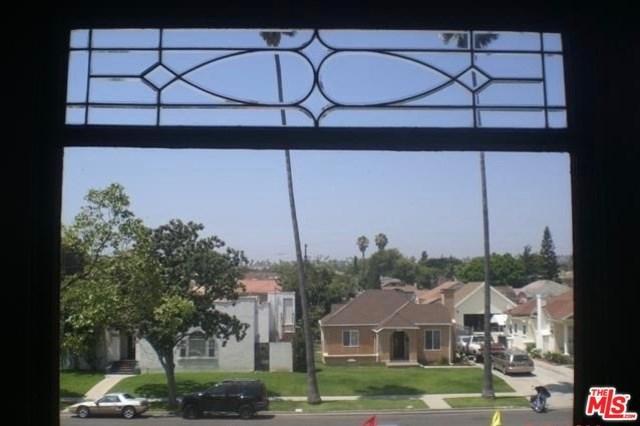 5468 9TH Avenue, Los Angeles (City), CA 90043 (#19425986) :: Hart Coastal Group