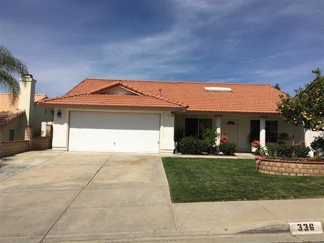 336 Womack Lane, Fallbrook, CA 92028 (#190004185) :: Pam Spadafore & Associates