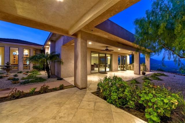 1321 Knoll Park Ln, Fallbrook, CA 92028 (#190004195) :: Pam Spadafore & Associates